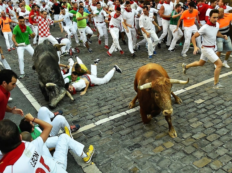 Tek pred biki po ulicah Pamplone