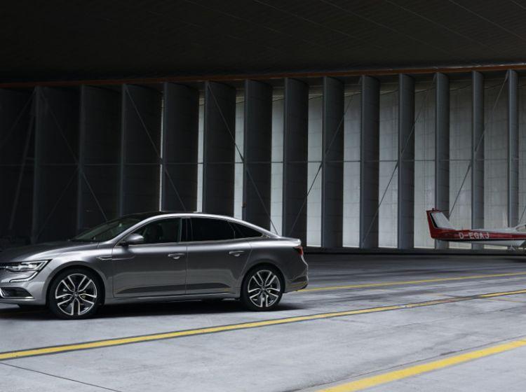 Renault predstavil talismana, ki bo zamenjal laguno